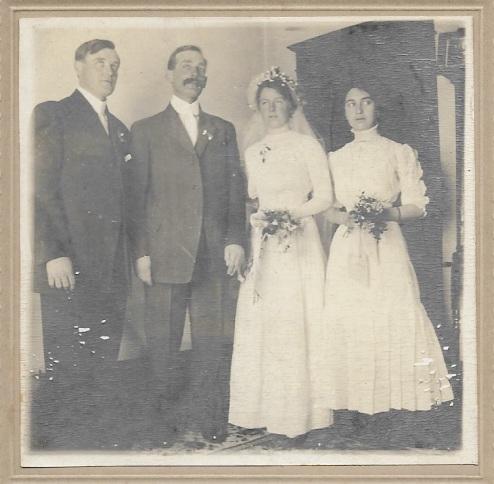 raye and walter wedding 1912.jpg